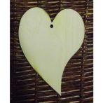 Fa alap - szív egy lyukkal kb. 150*200*3 mm