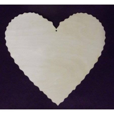 Fa alap - szív cakkos széllel - lyukas kb. 290*260*3 mm