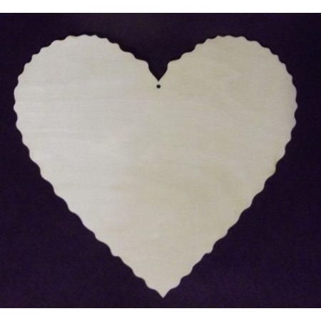 Fa alap - szív cakkos széllel - lyukas kb. 200*180*3 mm