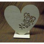 Fa álló szív áttört mintával kb. 150*150*6 mm