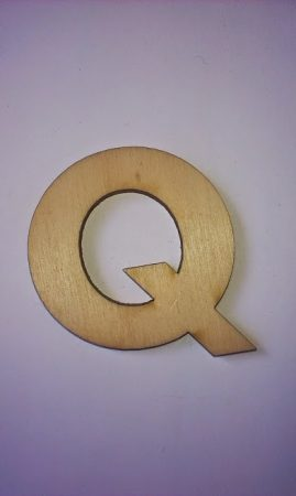 Fa betűk 4,5-5 cm Q